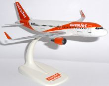 Airbus A320 Easyjet Airline PPC Collectors Model Scale 1:200 G-EZRF  E